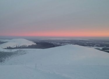 View from Ylläs and the sun that barely rises