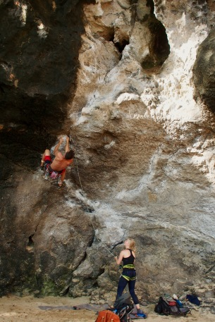 Phra Nang beach-climbing